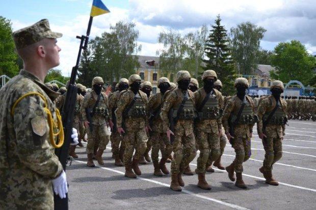 Призовники 2017: у Полторака розповіли, хто відправиться на фронт