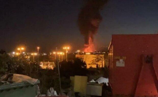 Потужний вибух прогримів на нафтохімічному заводі: кількість постраждалих уточнюється, над містом стоїть токсичний дим