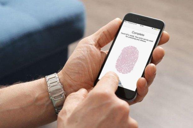 Мошенники нашли способ украсть деньги с помощью iPhone: как избежать ловушки