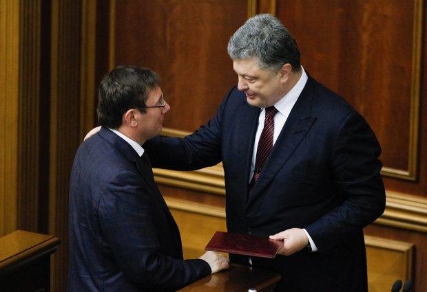 Гостра розмова із президентом: Порошенко викликав Луценка на килим після заяви про відставку