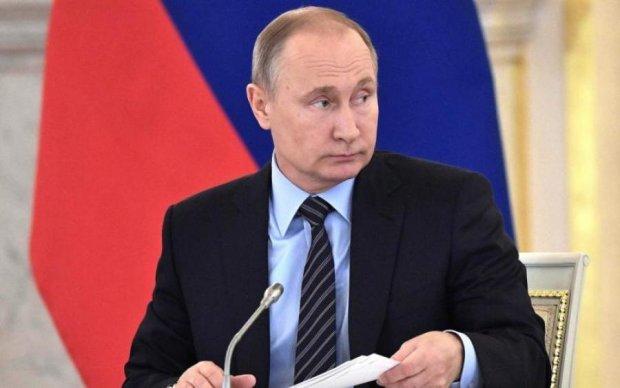 """""""Наше фсе"""": сеть рассмешило фото призыва на выборы Путина"""