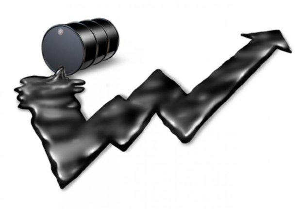 Нефть подорожает почти на два доллара