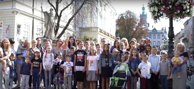 """Сотни маленьких львовян с диабетом обратились к Зеленскому, крик о помощи растрогал Украину: """"Мы устали"""""""