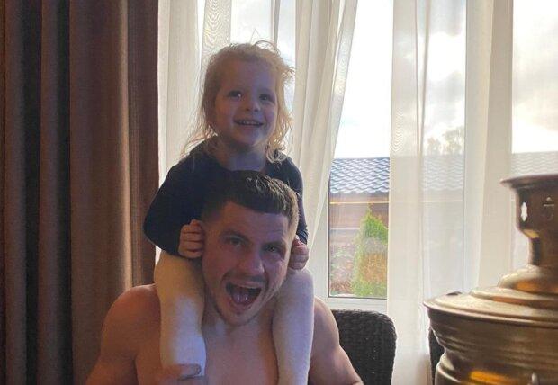 Денис Беринчик с дочкой, фото: instagram.com/berinchyk