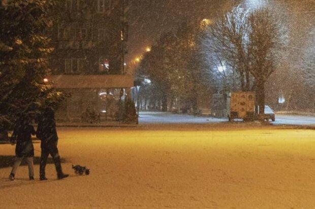 Снег в Шостке, фото: Павел Баглай/Instagram.com