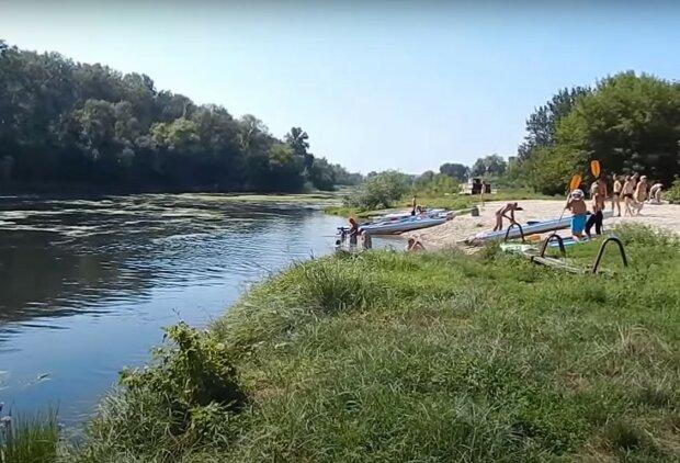 пляж, скріншот з відео