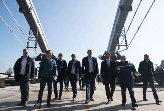 """Мост Кличко треснул дважды: украинцы быстро вычислили мифических """"вандалов"""""""