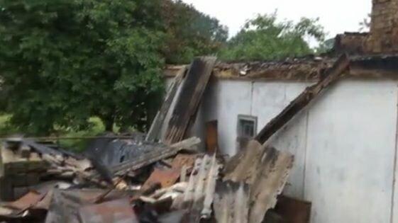 Адская молния испепелила дом и прошила насквозь мать 9 детей