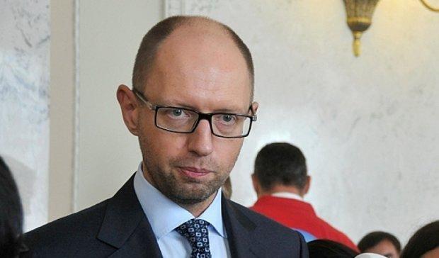 Яценюк предупредил мировое сообщество об опасности