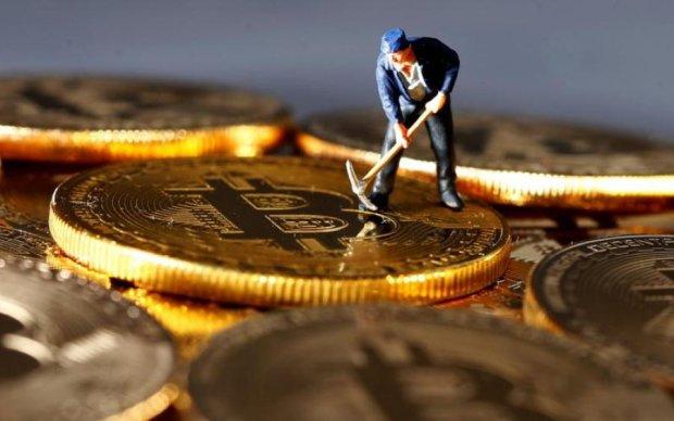 Курс биткоина на 30 апреля: криптовалюта упрямо стоит на своем