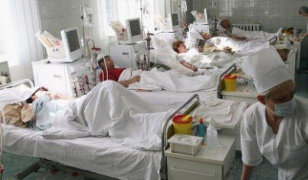 Пять клиентов столичного отеля попали в больницу с отравлением