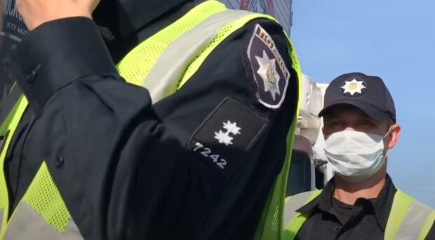 П'яна жінка покусала поліцейського