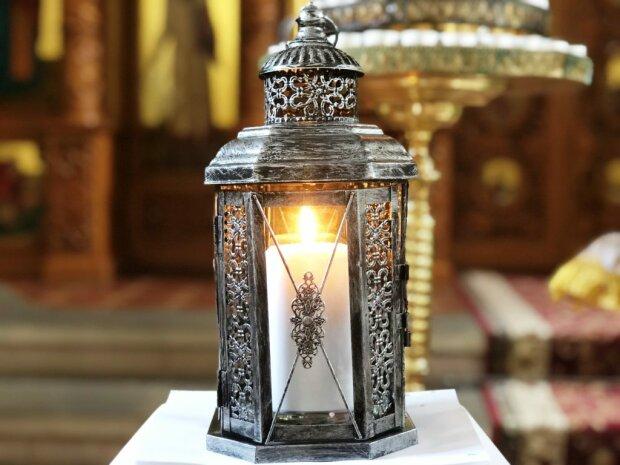 Вифлеемский огонь мира - фото Монастырь Пресвятой Троицы оо. Василиан в Каменце-Подольском