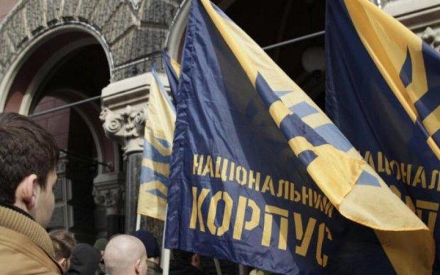 Азов пригрозил новыми штурмами