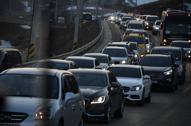 Водіям на замітку: центр Києва частково перекриють, куди краще не їхати
