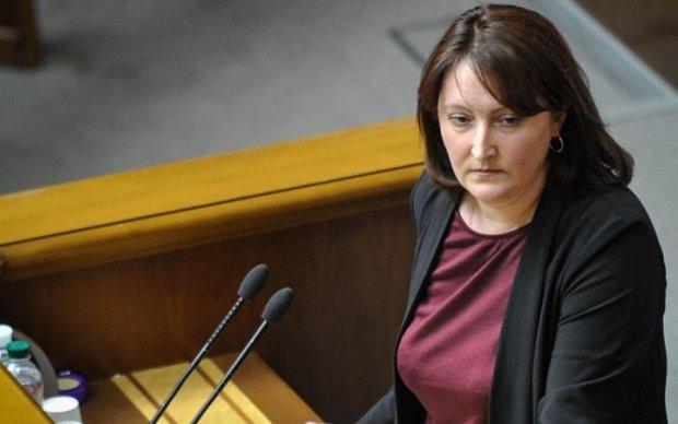 Бореться з корупцією: глава НАПК отримує захмарну зарплату