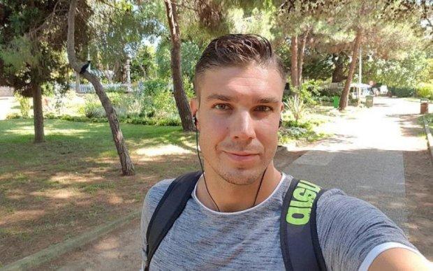 Українського екс-холостяка застукали з незнайомкою
