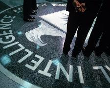 дипломат с помощью сотрудников ЦРУ остался в Америке