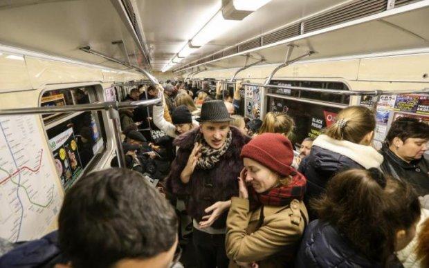 Афера з терміналом в метро розсмішила фахівця