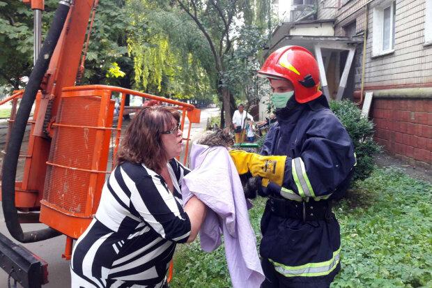 Надзвичайники ДСНС врятували чотирилапого бешкетника, фото km.dsns.gov.ua