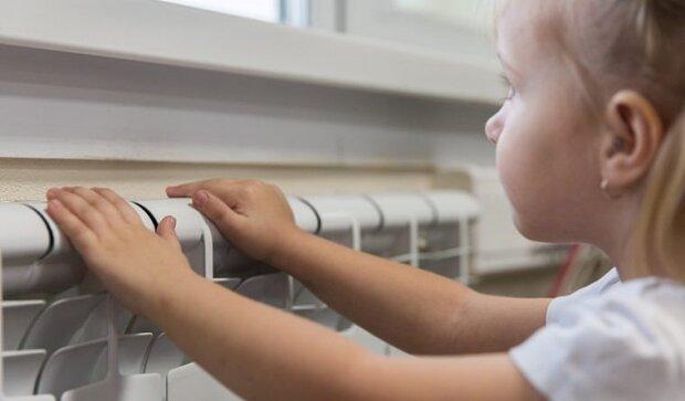 Украинцам пообещали снизить тарифы на тепло: сколько заплатим за отопление в квартирах и школах