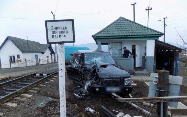 Трагедія на Одещині: потяг на повній швидкості протаранив авто, є жертви