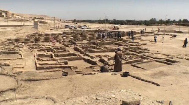 """Археологи наткнулись на 3000-летний затерянный """"золотой город"""": """"Все осталось на своих местах"""""""