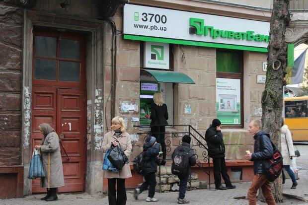 ПриватБанк и Монобанк поставили украинца в глухой угол: обещали же за 20 секунд