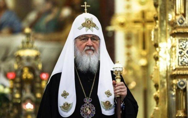 Божественні кредити: РПЦ офіційно стане вибивати борги