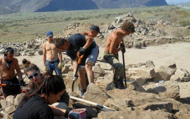 Рюмка опиума и косячок: археологи узнали, как развлекались скифы на самом деле