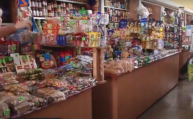 Солодощі в магазині, фото: кадр з відео