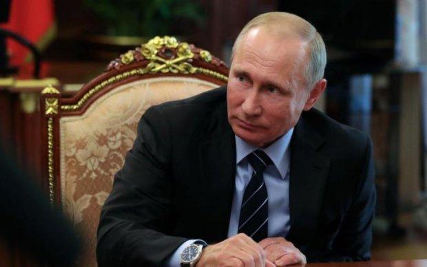Путин очень странно повел себя в лифте с европейцами