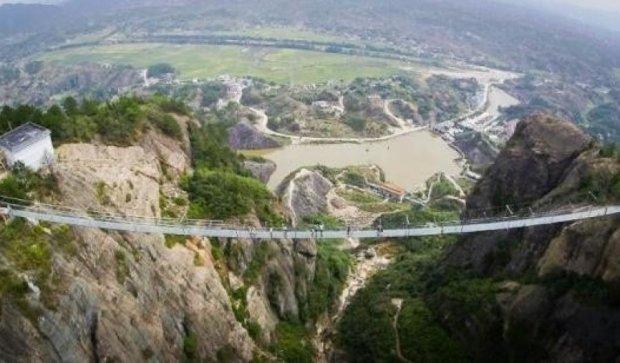 Самый длинный в мире мост не выдержал наплыва посетителей