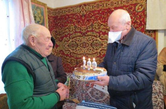 """На Львовщине долгожитель отпраздновал 100-летний юбилей: """"Мечтаю дожить до 110"""""""