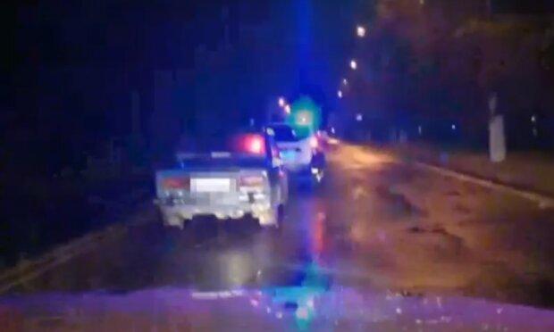 У Тернополі спіймали дитину за кермом - взяв покататися і сам злякався