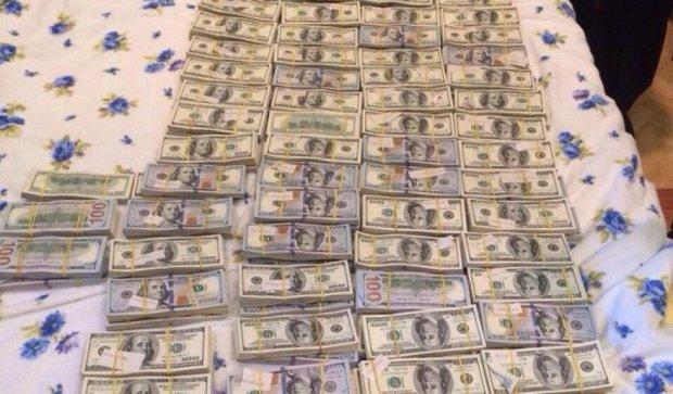 Более 100 млн гривен изъято в нелегальных обменных пунктах (Фото)