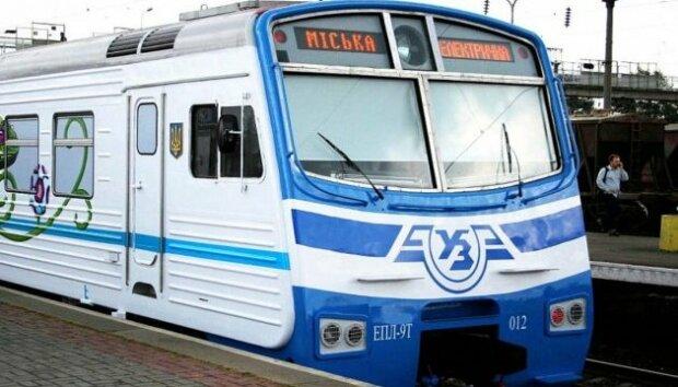 Киевляне, готовьтесь набивать пятки: городская электричка будет ходить по-новому, приятного мало