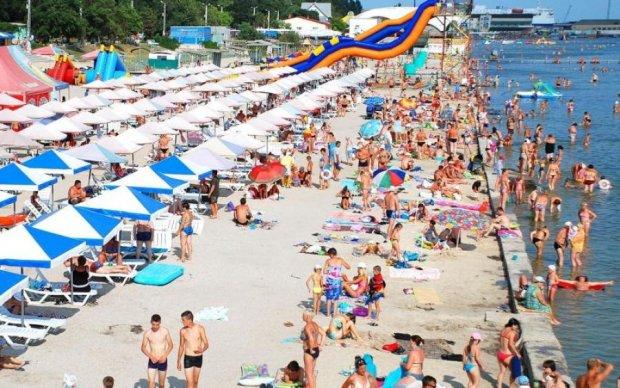 Толпы крымчан ринулись на Херсонщину