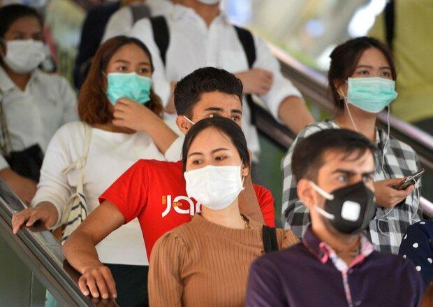 Люди в масках, фото: РБК