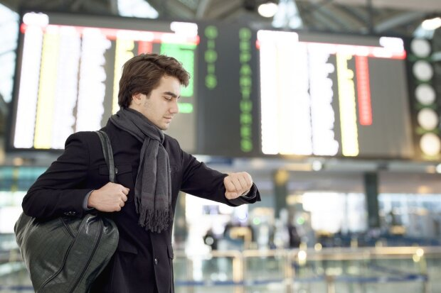 """Германия, Польша, Египет: """"Борисполь"""" массово отменяет рейсы, пассажиров бросили на произвол судьбы: видео"""