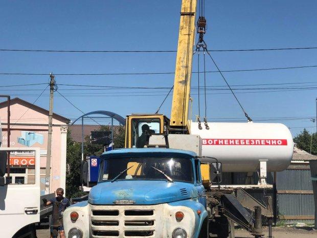 НС в Миколаєві: вибух на заправці, постраждали сотні будинків