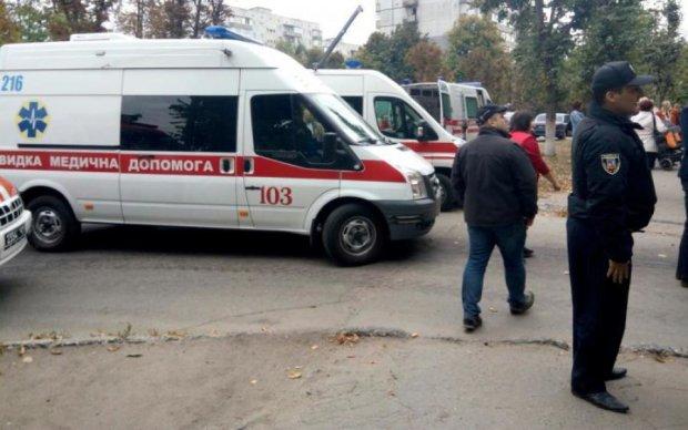 Сутки продержался: по Киеву гулял человек с кровавым фонтаном из шеи