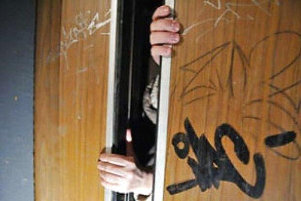 Винница кишит лифтами-убийцами, каждая поездка может стать последней: страшную правду скрывали годами