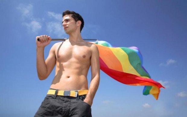 Кам'яний вік: російські копи-гомофоби причепилися до іспанців