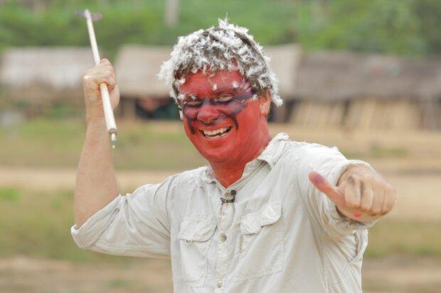"""Комаров зі """"Світ навиворіт"""" поїхав в гості до найперших дикунів світу: експеримент на виживання"""