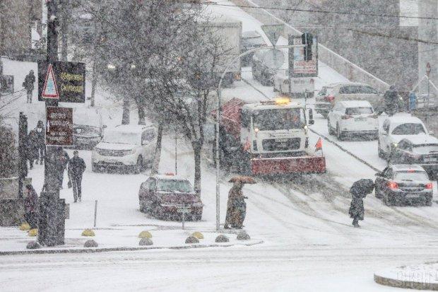 """""""От вам і весна, діставайте шуби"""": українці бурхливо відреагували на сніговий Апокаліпсис, ніхто не вірить очам"""