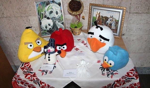Виставка творчих робіт держслужбовців на Печерську (фото)