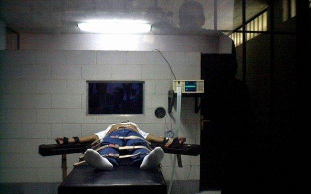 У США стратили двох в'язнів у день вперше за чверть століття
