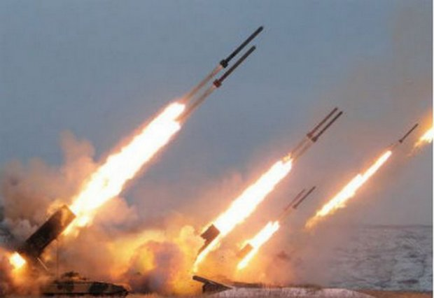 "Путинским головорезам не нужна ""тишина"" на Донбассе, готовят гаубицы и танки к бою"