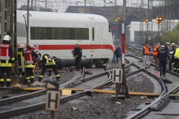 Шалені підлітки на Львівщині вилізли на залізничну цистерну у пошуках пригод, але щось пішло не за планом